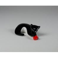 Figurka Kot z czerwoną piłką