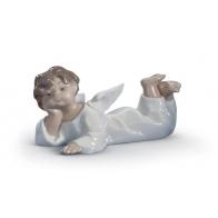 Figurka Anioł leżący 14 cm Lladró 01004541