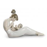 Figurka Matki zabawiającej dziecko 41 cm