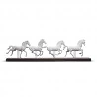Figurka koni Galopujące stado 23x81cm 01009086 Lladro sklep